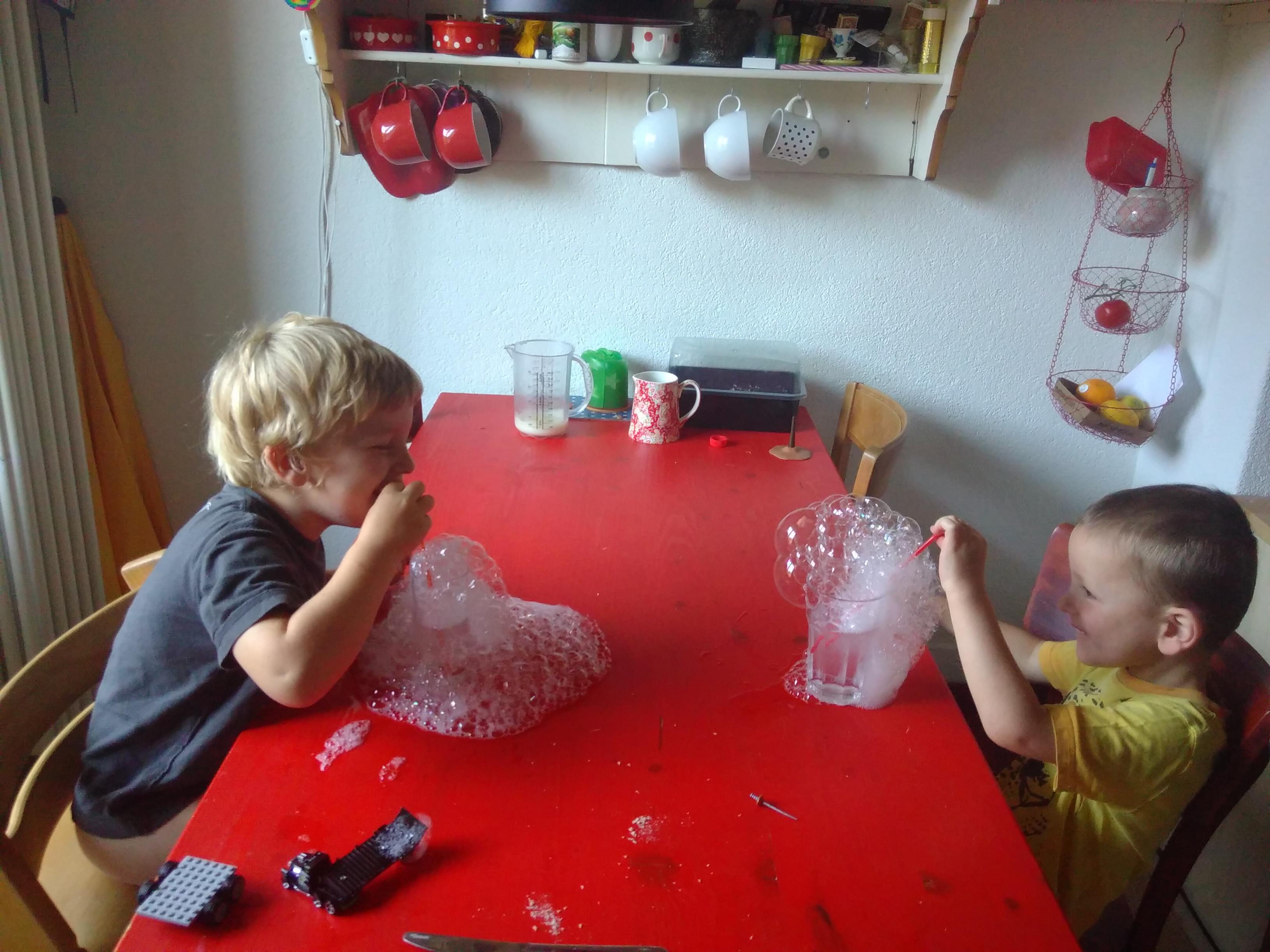 Giochi Di Pulire La Casa giochi creativi da fare a casa